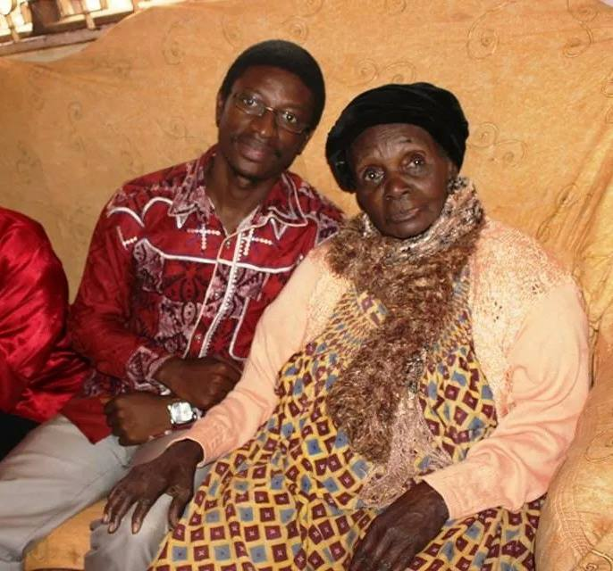 Daniel Ndieh et mama Anne Marie Nzié