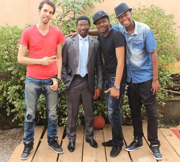 avec le groupe X-Maleya (Hais, Auguste et Roger) après une rencontre professionnelle avec le collectif de journalistes critiques d'art (CAMAC)